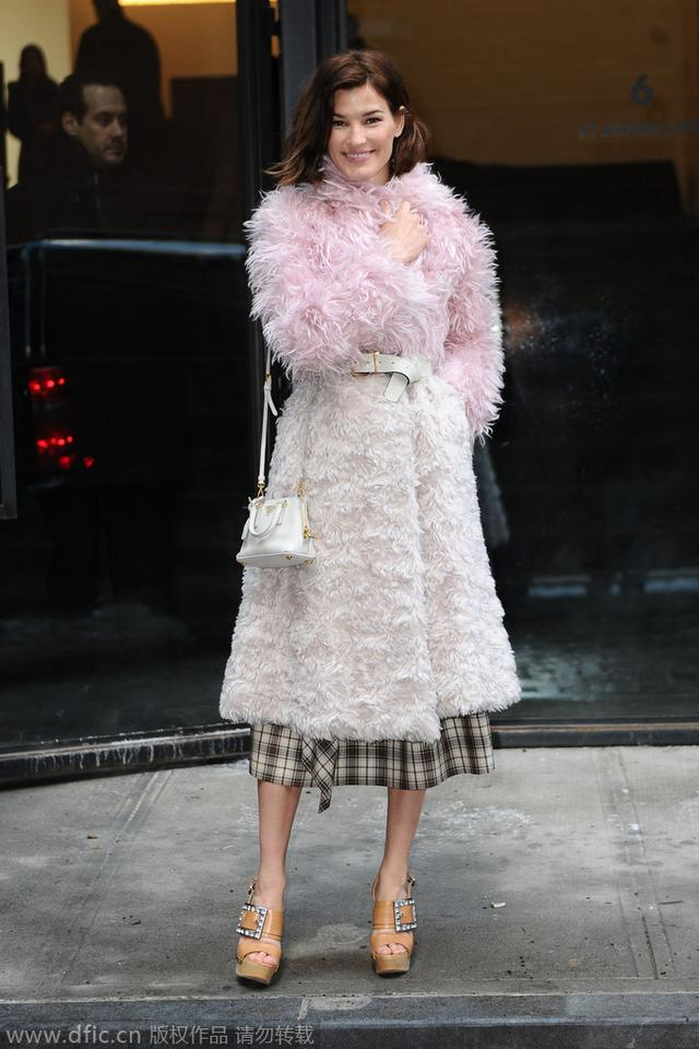 早春最火的羊羔皮大衣 款式大集合任你挑