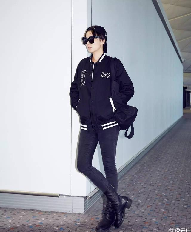 这双靴子显腿短(别拉黑它!)AB宋茜刘亦菲教你怎么穿