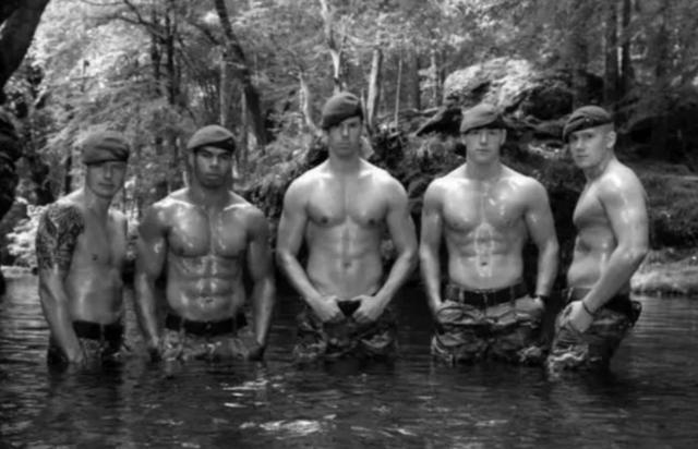 台湾肌肉男军人