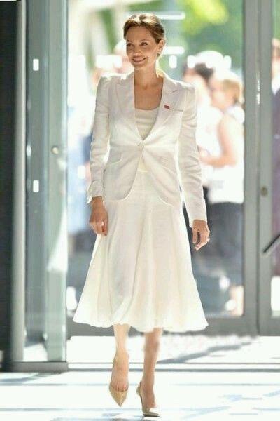 看It girl冬天怎么把白色穿出高级定制的感觉