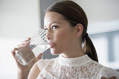 让你30天只喝白水 你的脸会怎么样