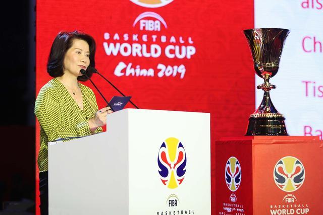 天梭表为2019年国际篮联篮球世界杯开启一周年倒计时,首站揭幕仪式点亮京城