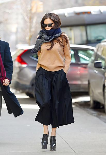 今天穿什么:无领衫搭配围巾