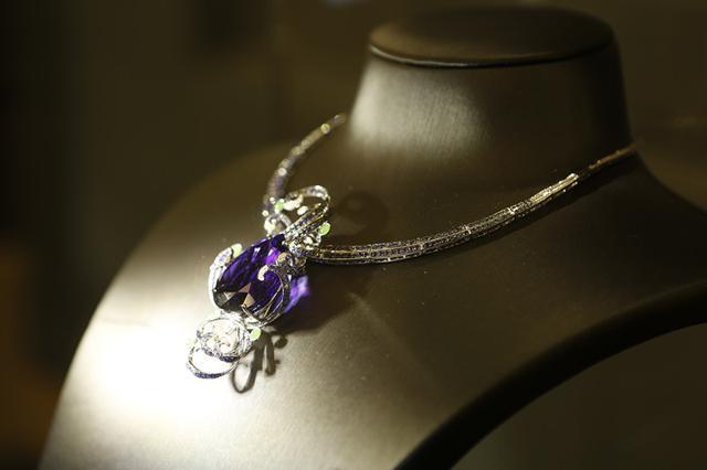 当中国文化遇上英伦时尚 珠宝大招给你看