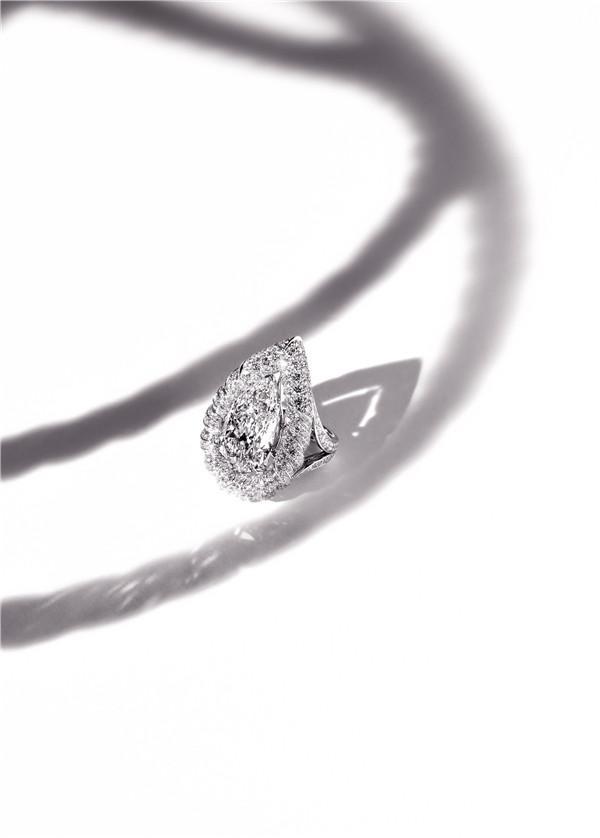香奈儿Flying Cloud系列珠宝:简约是奢华的起点