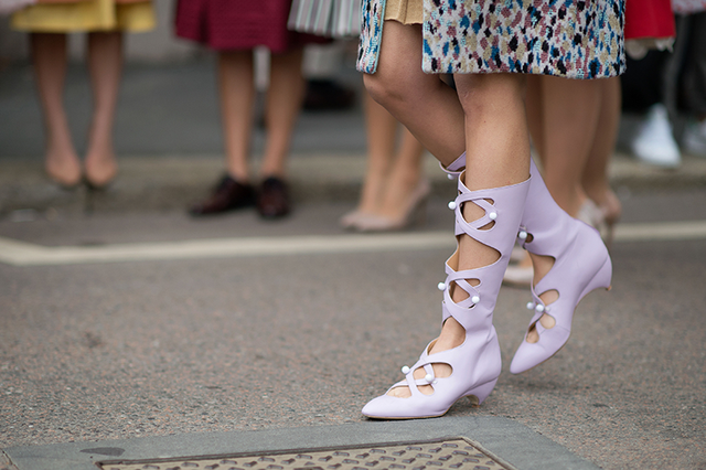 时装周街拍特写 那些令人惊叹的鞋子