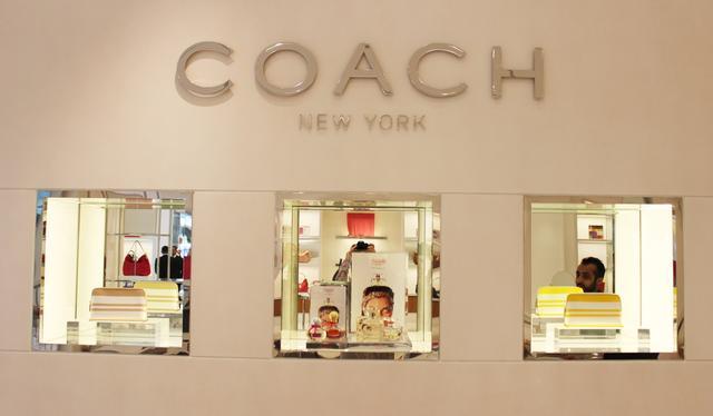 门道时尚头条 | 传Coach 10亿英镑收购Jimmy Choo 刘雯登上《福布斯》封面