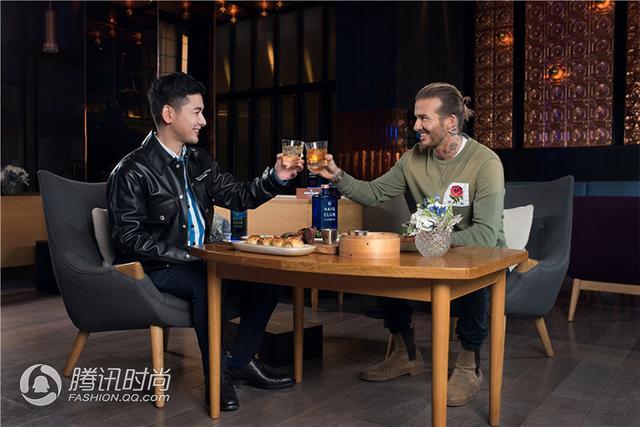 华龙棋牌官方网站下载,贝克汉姆与gogoboi相聚上海 展现绅士的型格与品位