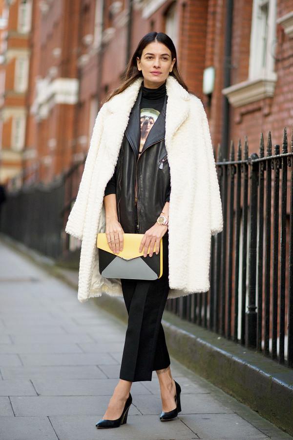 看着宋茜周冬雨她们用皮衣搭这些又帅又美又保暖 感觉自己这些年都白穿了