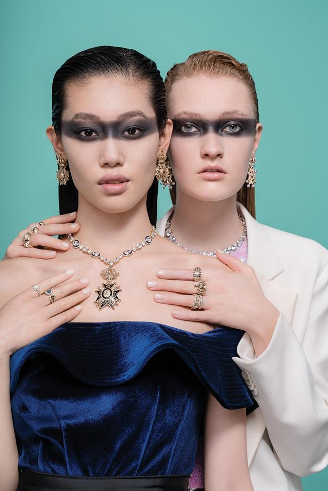 当化妆师遇上首饰珠宝,复古型格时尚演绎