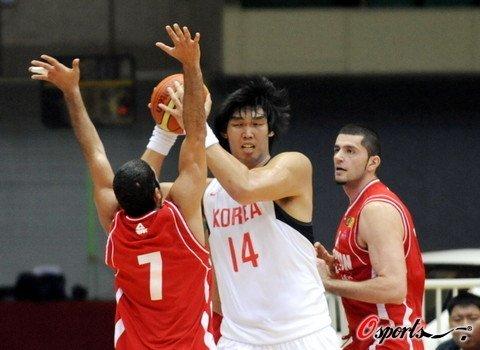 黎巴嫩险胜韩国晋级四强 半决赛对决中国男篮