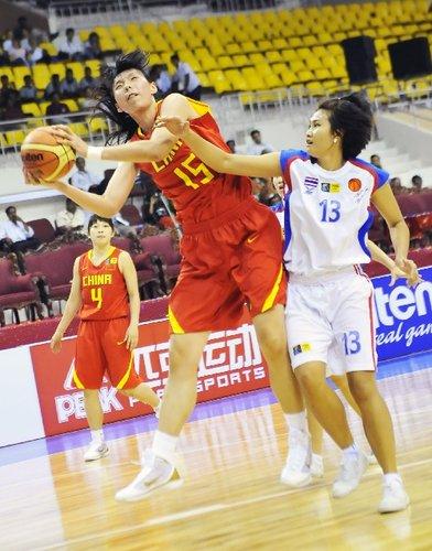 黄红玭18分女篮五人上双 中国115-51屠泰国