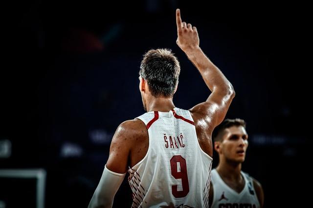萨里奇携众NBA球星战立陶宛 两大内线遇挑战