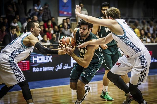 世预赛-伊朗大胜哈萨克斯坦 以小组第一出线