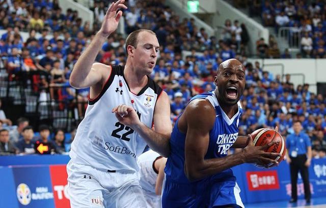 男篮世预赛-日本40分大胜中国台北 小组第三出线