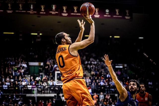 篮球世家新星将出战世初赛 对战罗马尼亚充满信心