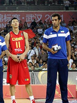 亚洲第一中锋离开NBA 易建联成亚洲仅存独苗