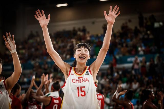 FIBA盛赞女篮18岁小将:未来或前往WNBA打球