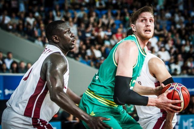 男篮世预赛-澳大利亚51分狂胜卡塔尔 豪取5连胜