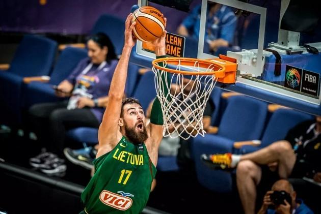 立陶宛领袖谈世预赛:我们强大因有团队精神