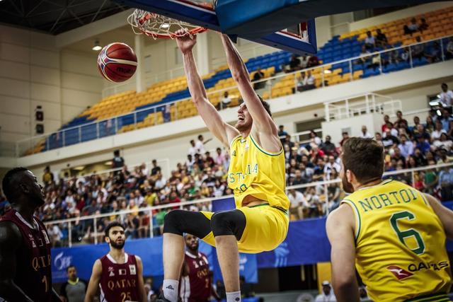 男篮世初赛-澳大利亚52分擒卡塔尔 韩国力克约旦