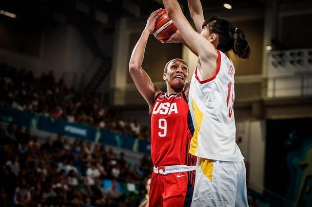 女篮世界杯-中国12分负美国 18岁小将韩旭砍20分