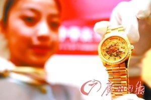 全球1/4奢侈品中国人购买 买奢侈品如同买菜