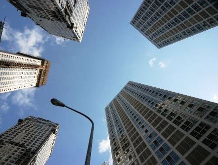 """政协委员吁抓紧研究物业税 表述为""""房地产税"""""""
