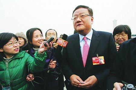 刘长乐为低碳减肥40斤 凤凰卫视力行低碳办公