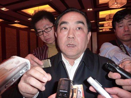 杨凯生:今年工行贷款总量会比去年适度减少