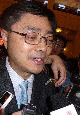 朱玉辰:中国金融发展仍营养不良 勿效仿美国