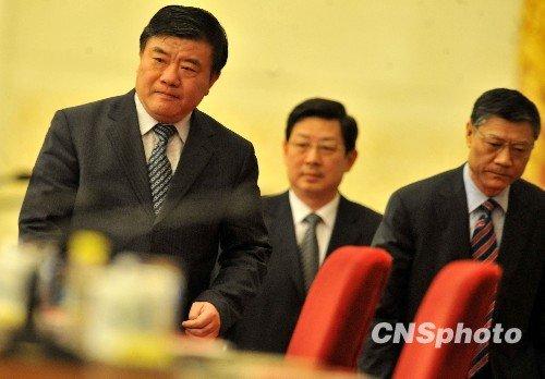 中国三位部长直言房价医疗社保问题