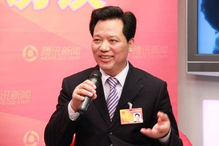 任玉奇代表:最得意的是取消农业税的议案