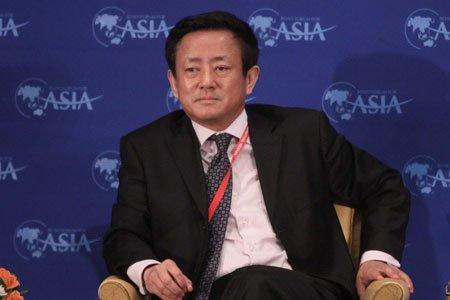 图文:国民经济研究所所长樊纲发表演讲