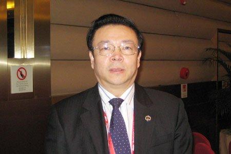 图文:华融资产管理公司总裁赖小民接受专访