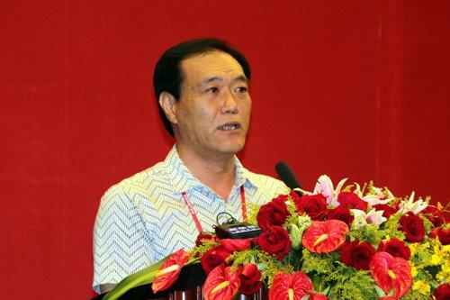 图文:山东省文登市人民政府副市长谭远国