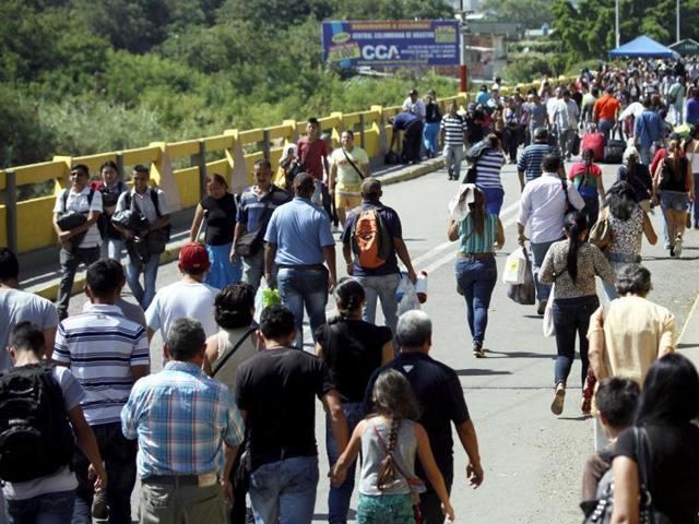 """经济衰退委内瑞拉输出""""贫民潮"""" 每月1万人进入巴西"""