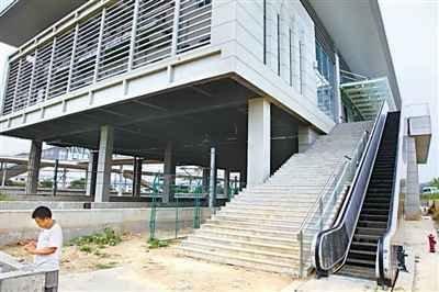 南京高铁站被曝建成就废 知情者称开通就亏损