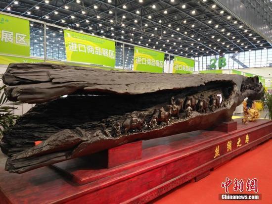 10吨乌木亮相郑州全国商品交易会 商家给出参考价9999万