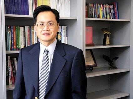 中欧国际工商学院教授杨国安简介