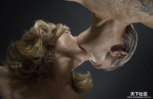 人体艺术专业人体艺术露逼汤水的那种_无处不美好:亲吻的人体艺术(组图)