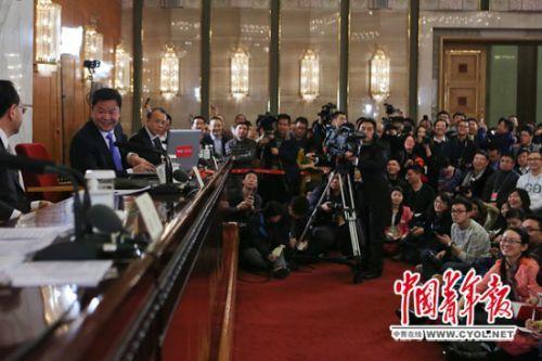 """吕新华:反腐无禁区 没有不受查处的""""铁帽子王"""""""