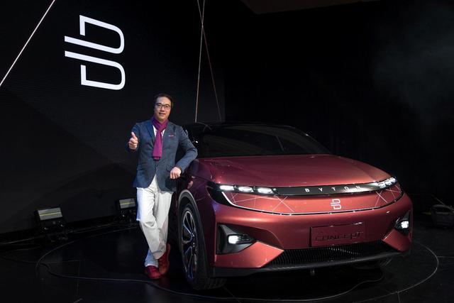拜腾汽车首次亮相CES   冯长革让科技电动车走进现实