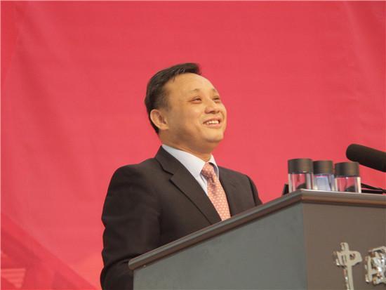 毛振华:我国债务危机已至临界点 须警惕国企债务