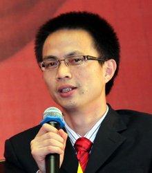 泛华保险品牌部总经理黄光荣发表观点