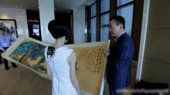 王健林办公室内景曝光:亚洲首富收藏品惊人