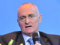 施罗德集团亚太区首席执行官、新加坡投资管理协会主席Lester Gray