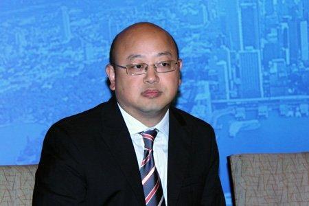 图文:鹏华基金副总裁曹毅发言