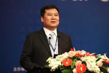 图文:苏宁电器董事长张近东谈企业发展