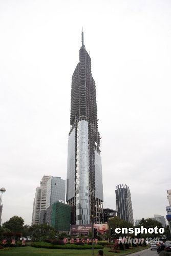世界新奇钢结构建筑